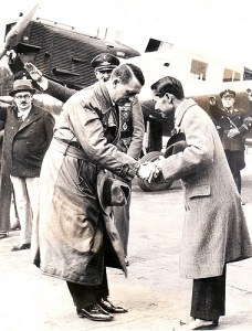 Rama 7_Hitler