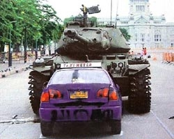 Nuamthong, taxi and tank