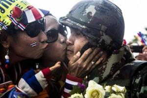 Kissing soldiers