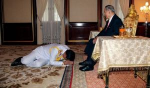 Prayuth planking